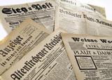 Foto Stapel Zeitungen
